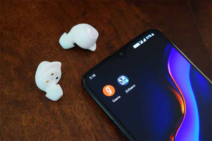 A Simple way to Reset the Bluetooth Headphones