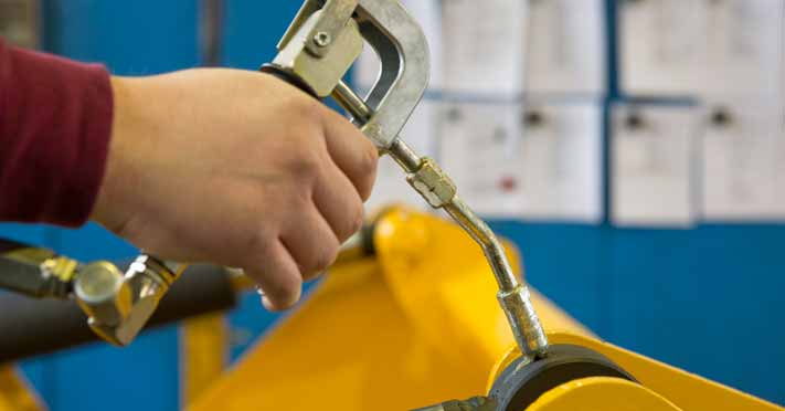 How to Put Grease In a Grease Gun?