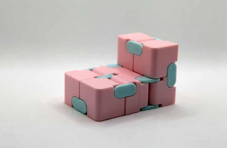 How Do You Use the Infinity Cube Fidget?